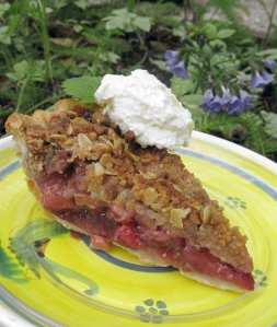 Strawberry Rhubarb Pie with ALmond Streusel